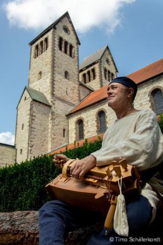 Musik vor der Kirche